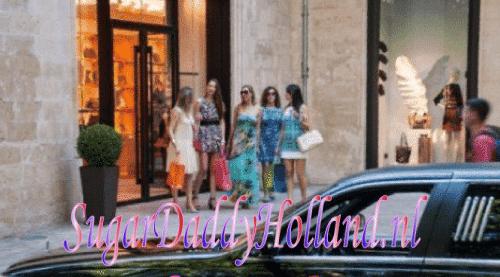 Een groep meisjes doet boodschappen en gaat per limousine